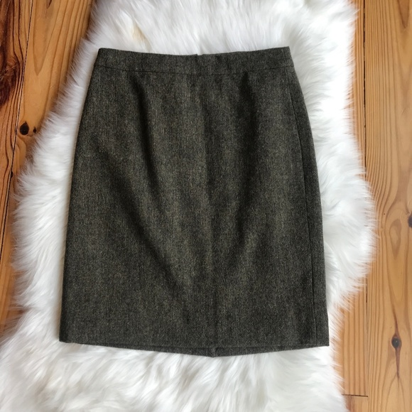 J. Crew Dresses & Skirts - J. Crew Wool Pencil Skirt Green Size 2